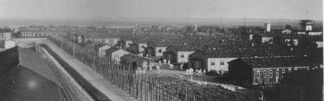 Das Bild zeigt eine Barackenreihe des Konzentrationslagers Neusustrum.